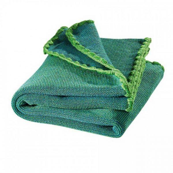 Coperta con smerli in lana merinos verde Disana