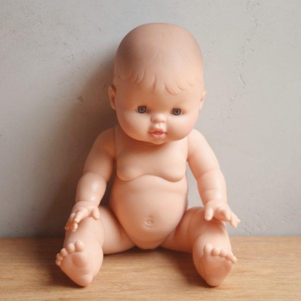 Bambola europea femmina Paola Reina