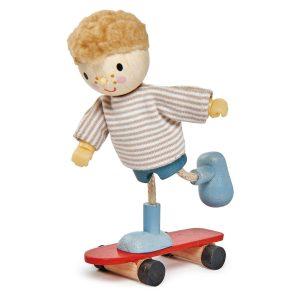 Bambino Edward con Skateboard Tender Leaf
