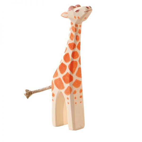 Figura legno giraffa piccola che mangia - Ostheimer