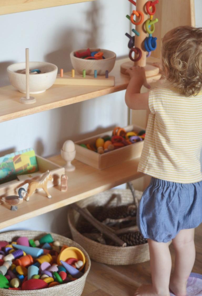 scaffale montessori
