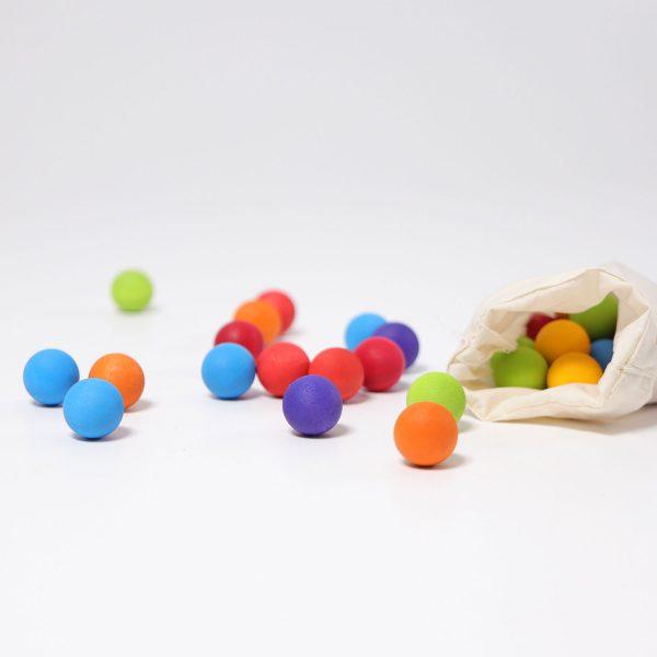 35 Small Wooden Marbles colori primari Grimm's